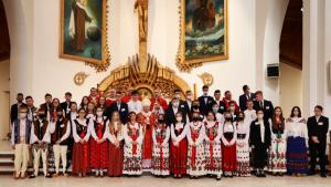 Abp Marek Jędraszewski do bierzmowanych: Dajcie się prowadzić Duchowi Świętemu