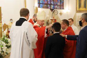 Abp Marek Jędraszewski do młodzieży bierzmowanej o poczuciu odpowiedzialności za Kościół