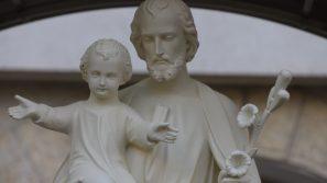 Poświęcenie figury św. Józefa i stacji Drogi Krzyżowej w Zgromadzeniu Sióstr Franciszkanek Rodziny Maryi na Podgórzu