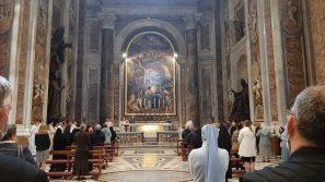 """Kard. Stanisław Dziwisz przy grobie św. Jana Pawła II w Bazylice św. Piotra w Rzymie: Słyszę też jego nieustannie powtarzaną, słabnącą modlitwę – """"Maryjo, Matko moja"""""""