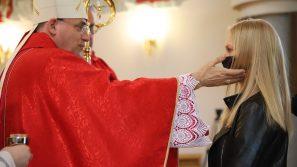 Bp Robert Chrząszcz do młodych: Wasze życie jest obrazem Kościoła w świecie