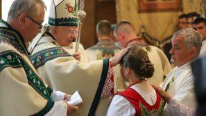 Abp Marek Jędraszewski w Brzegach: Chrześcijanin to człowiek idący przez życie z podniesionym czołem