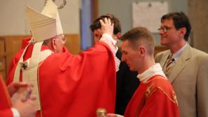 Abp Marek Jędraszewski do młodych: Otwórzcie się na Ducha Świętego, by iść przez życie w świetle Ewangelii