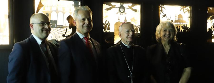 """Abp Marek Jędraszewski otworzył multimedialną wystawę """"Śladami Jezusa"""""""