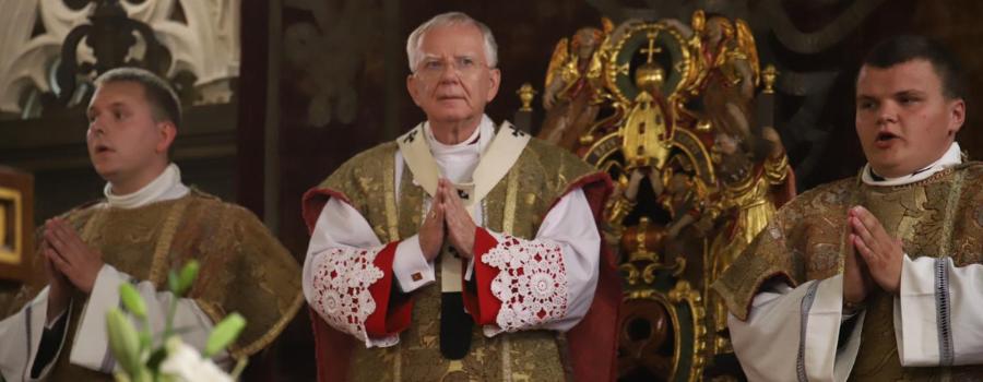 """Abp Marek Jędraszewski: """"Zygmunt"""" od pięciuset lat głosi błogosławieństwo naszej Ojczyźnie"""
