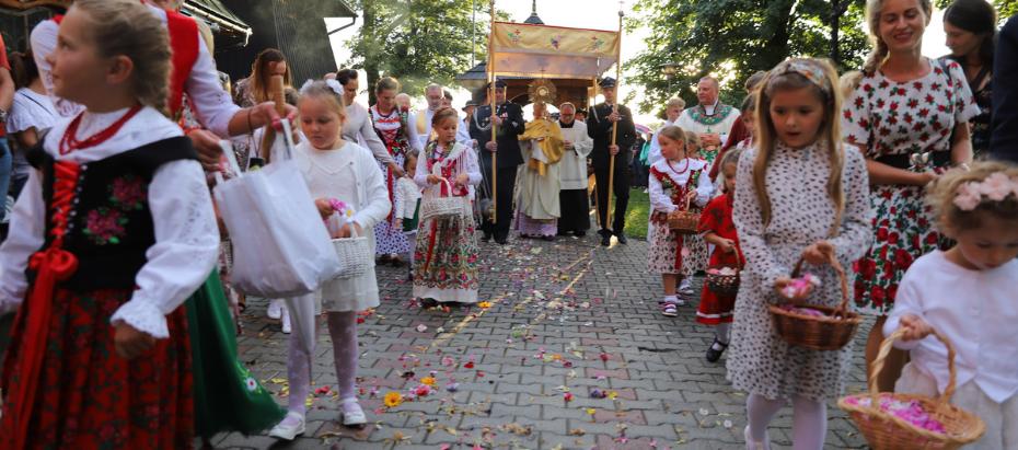 Abp Marek Jędraszewski w Spytkowicach: Wszędzie, gdzie jest miłość bliźniego aktualnie doświadczana i czyniona, tam świat staje się bardziej ludzki