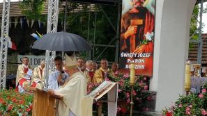 Kard. Stanisław Dziwisz: Z przemienionymi sercami podążajmy drogą miłości i służby